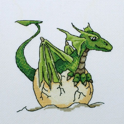 SYNNAR the Baby Dragon - Cross stitch kit